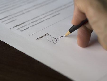 Examining the executor's role in managing and selling the home